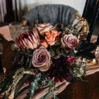 Table top floral arrangement