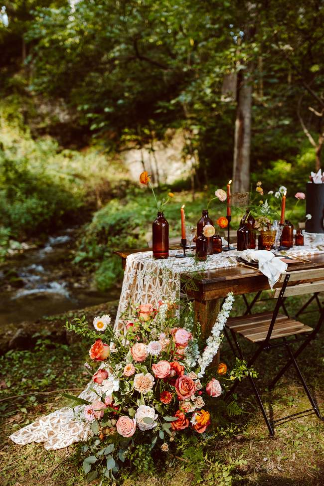 Intimate table set in the woods